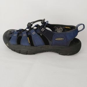 KEEN men's water shoes size 7